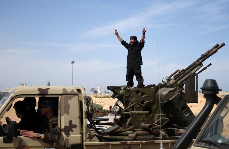 ليبيا - 556 مقاتل