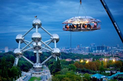 عشاء في السماء- بروكسل- بلجيكا