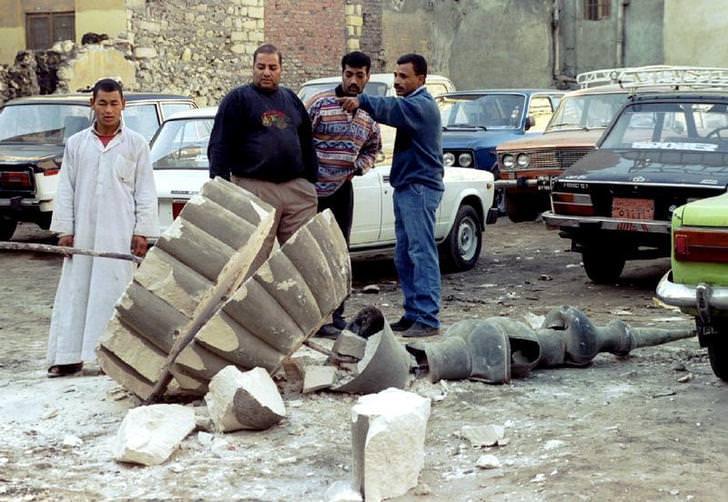 زلزال القاهرة سنة 1992 - عدد الوفيات 370 شخص