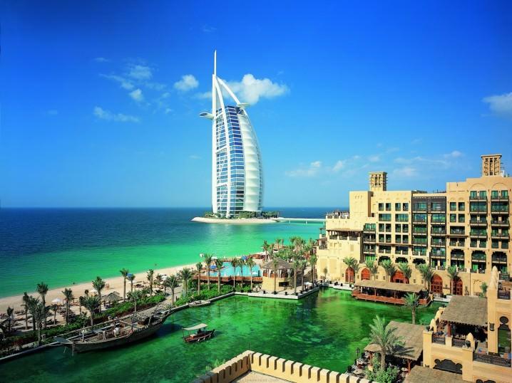 الإمارات العربية المتحدة - 7.8 مليون مهاجر