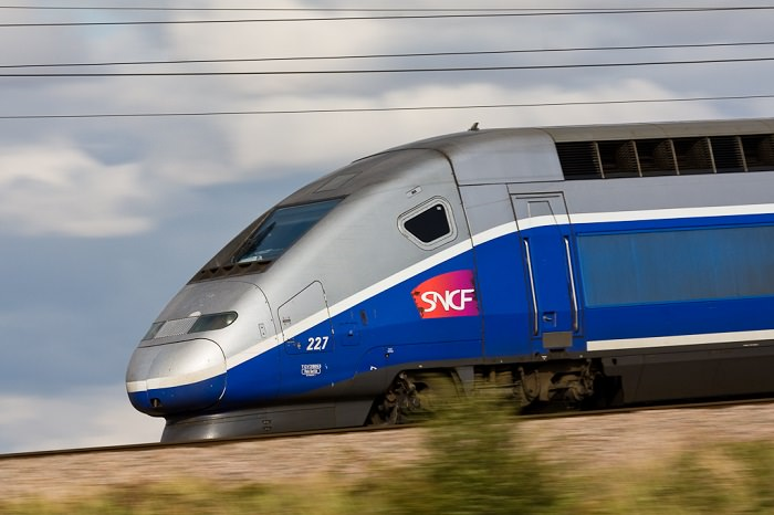قطار TGV Duplex في فرنسا - 380 كم في الساعة