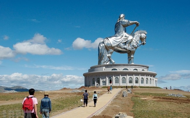 المغول - رمى الرؤوس بالمنجنيق