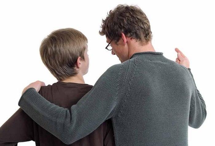 التركيز دوماً على سلبيات المراهق، وتجاهل إيجابياته