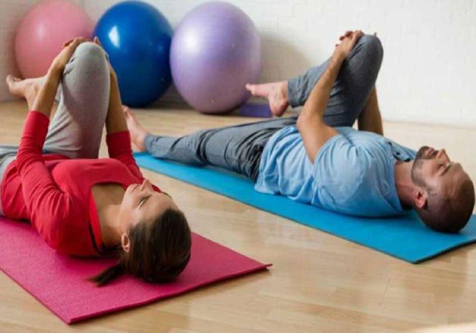 ممارسة التمارين الرياضية وتمارين شد البطن