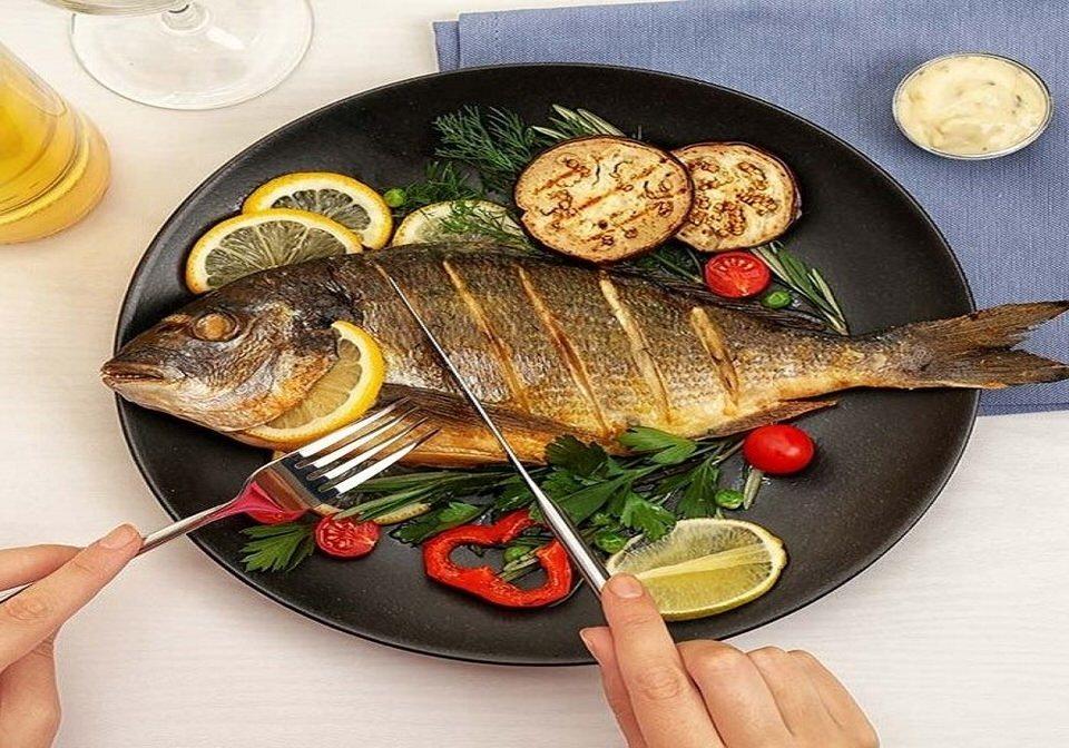 تناول الأسماك