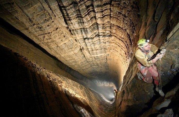 كهف «كروبيرا» ـ Krubera Cave