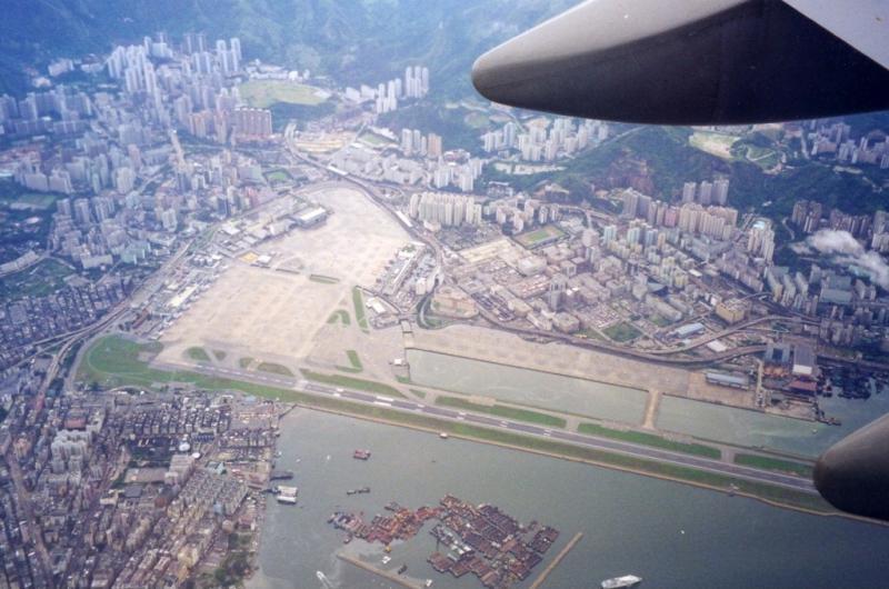 مطار كاي تاك المرعب فى هونج كونج
