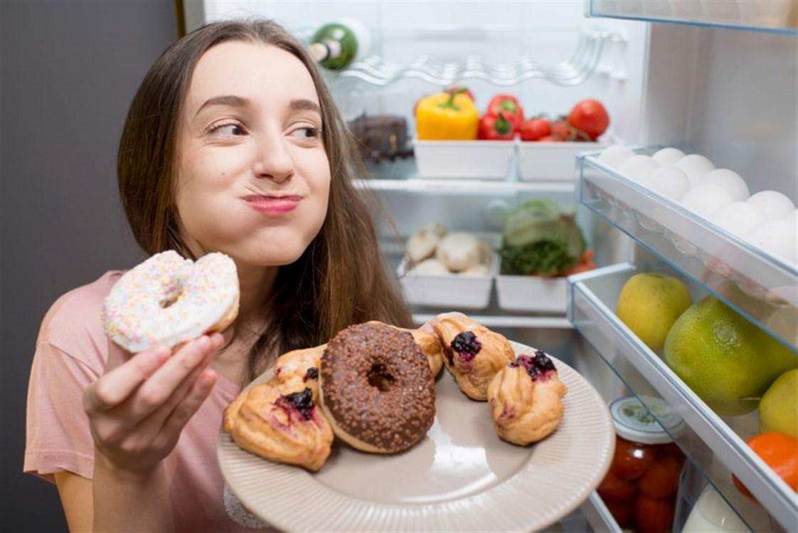 الاكثار من تناول السكريات