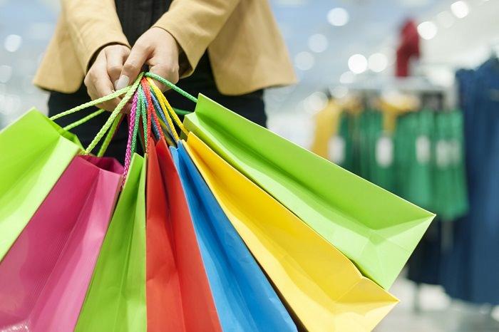 إدمان المرأة على التسوق