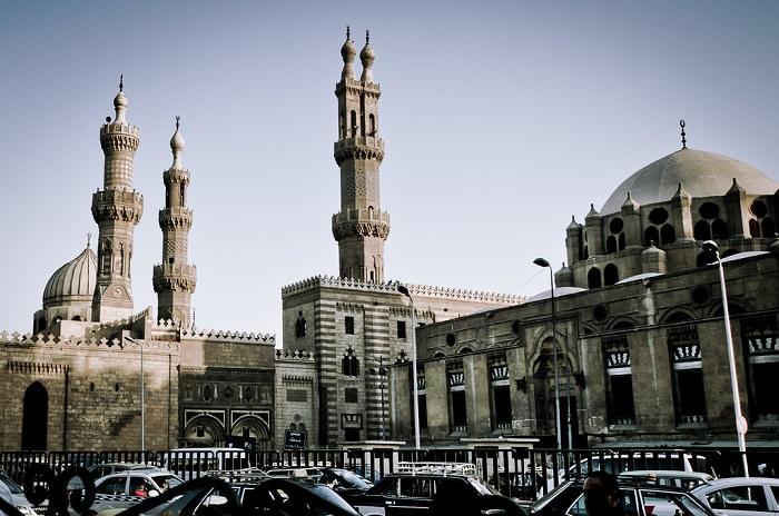 جامعة الأزهر في مصر - تأسست في عام 972