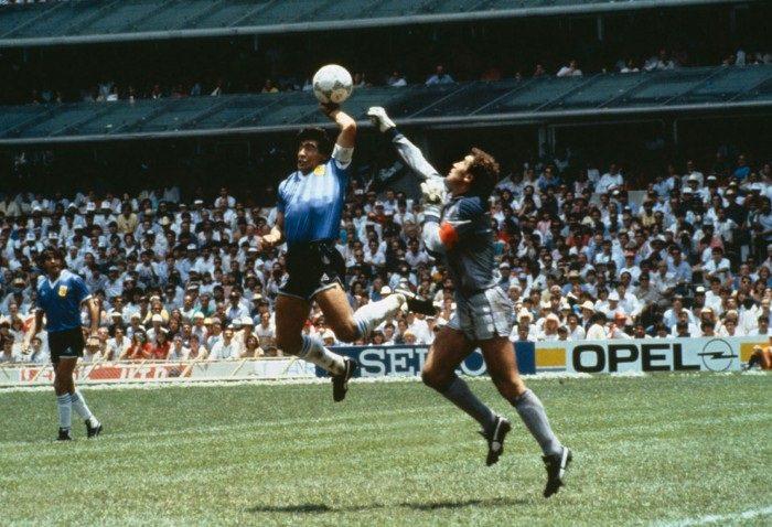 يد «مارادونا» وسحره في عام 1986