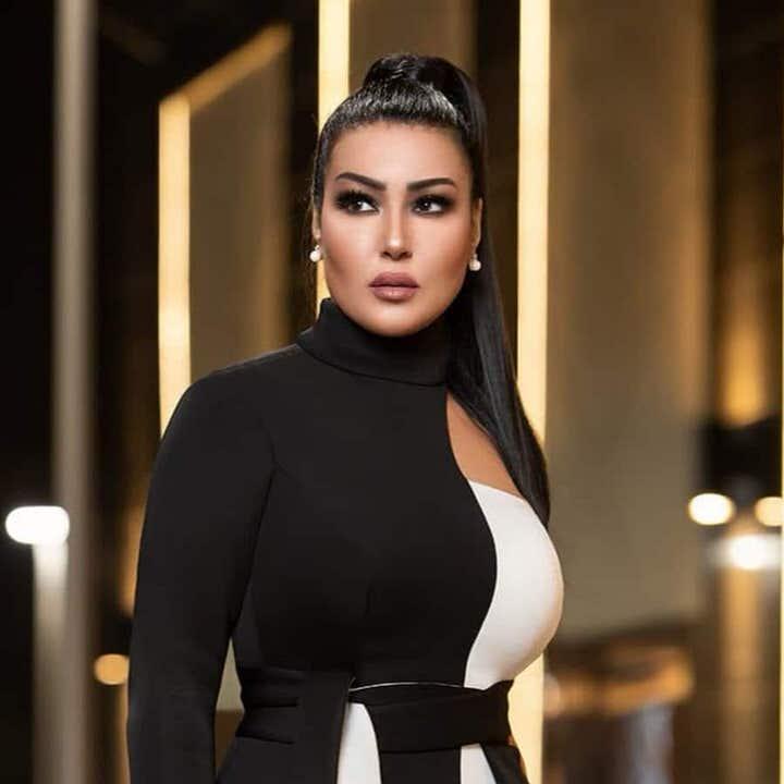 الفنانة سمية خشاب