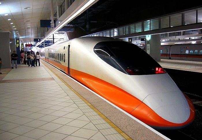 قطار THSR 700T في تايوان - 315 كم في الساعة
