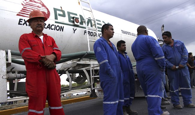 شركة البترول المكسيكية - 3.6 مليون برميل يومياً