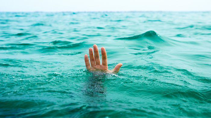 يختلف الغرق في المياه المالحة عن الغرق في المياه العذبة