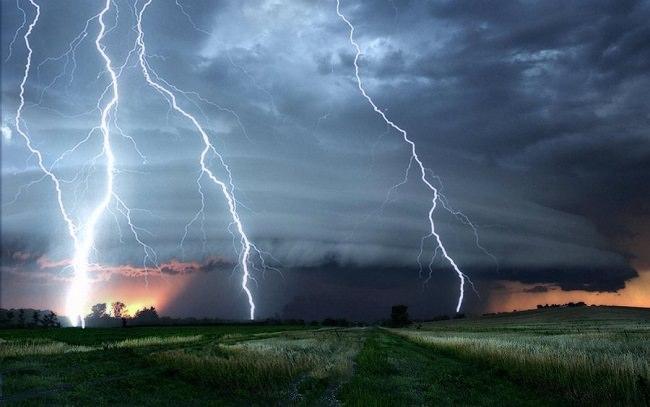 في كل ثانية، يضرب البرق سطح الأرض 6 مرات