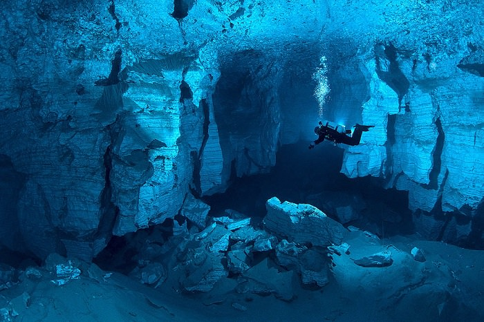 كهف «أوردا» ـ Orda Cave