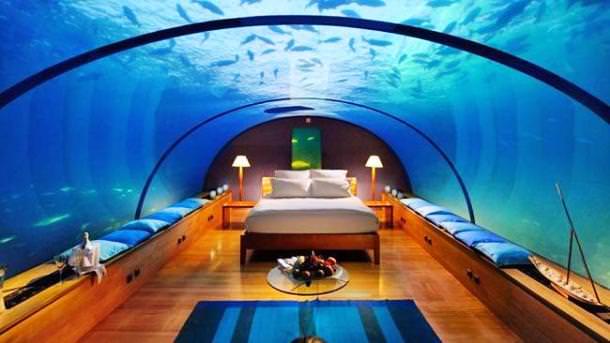 غرفة فندقية داخل حوض أسماك