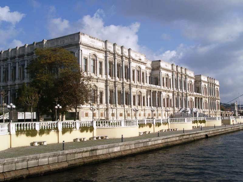 قصر يلدز ساراي