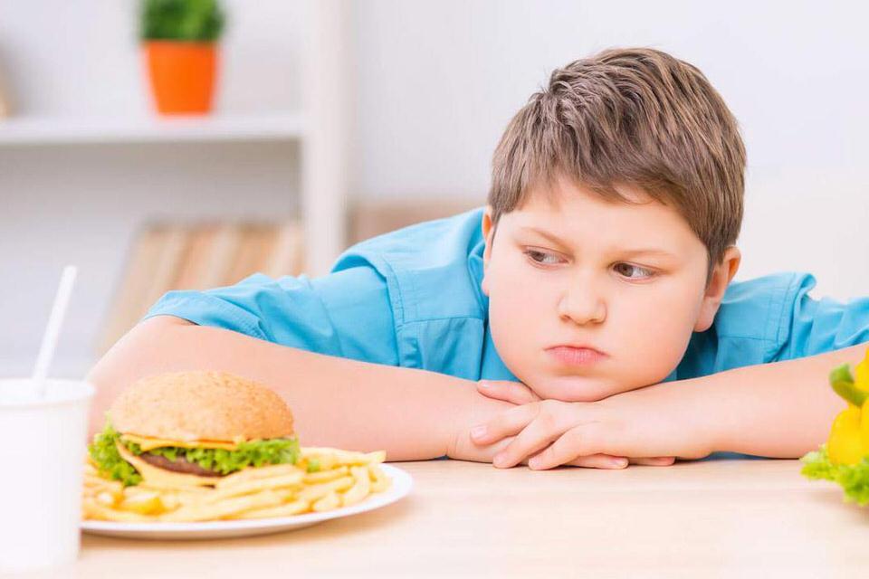 أضرار السمنة عند الأطفال