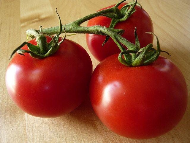 الطماطم يعالج الالتهابات