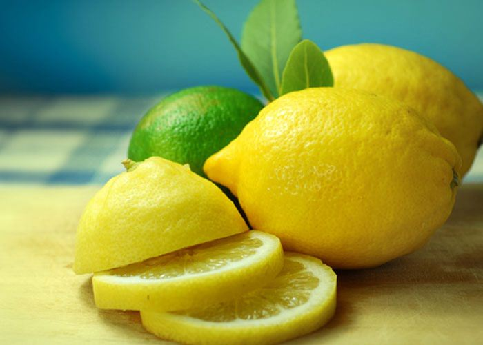 من فوائد الليمون مكافحة الجذور الحرة