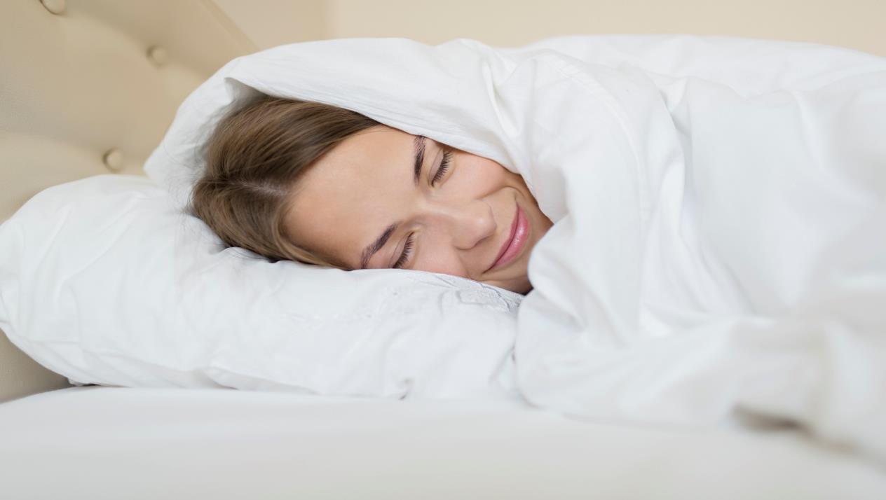 تغطية الرأس أثناء النوم