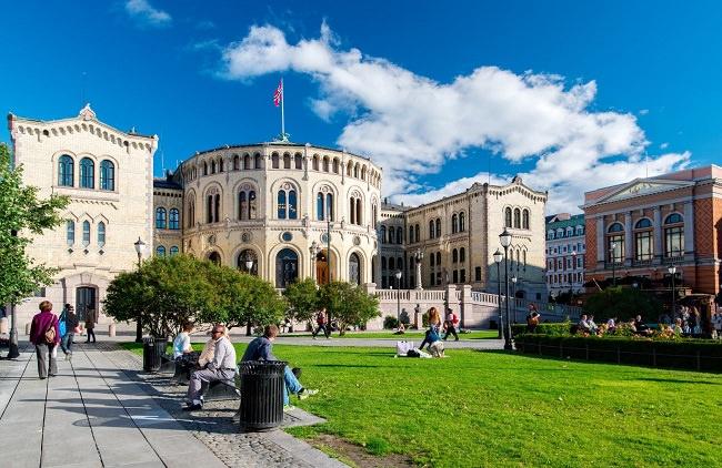 النرويج، تكلفة التعليم الجامعي الأقل في أوروبا - 3،369 دولار سنوياً