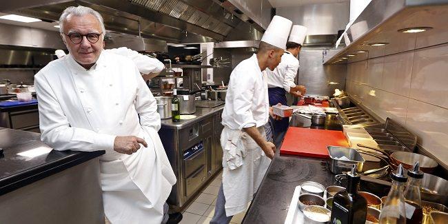 مطعم ألين دوكاس، باريس - 425 دولار للشخص الواحد