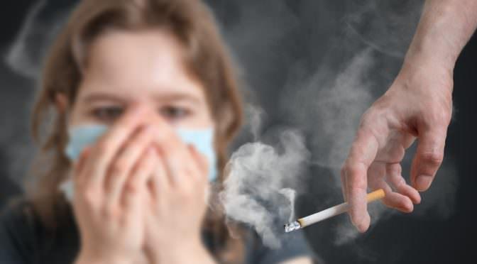 أضرار التدخين على الجلد والشعر والأظافر