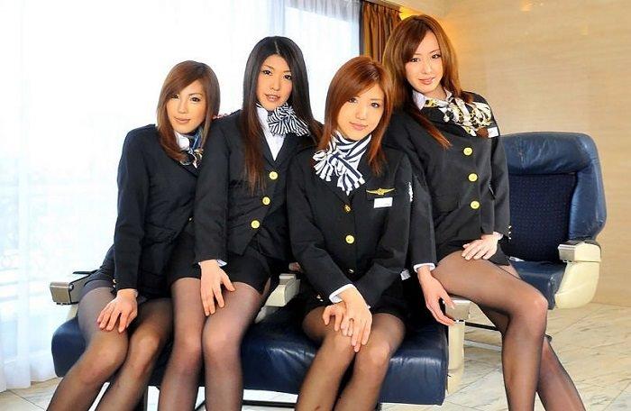 زي مضيفات الطيران الياباني