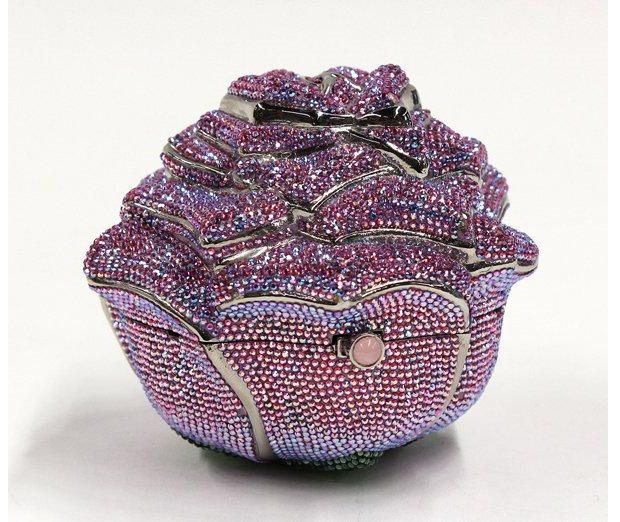 حقيبة «الوردة الثمينة» لـ Leiber بـ 92 ألف دولار