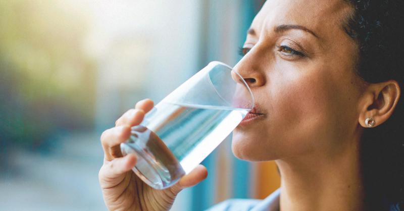عدم شرب المياه بشكل كافي