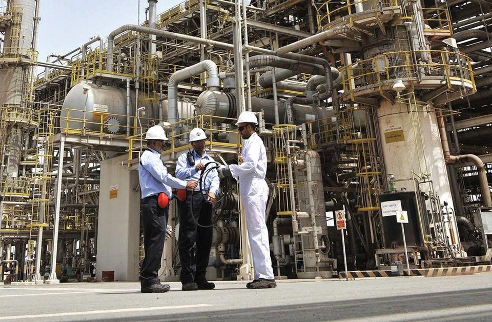 مشغلو وحدة خدمات النفط