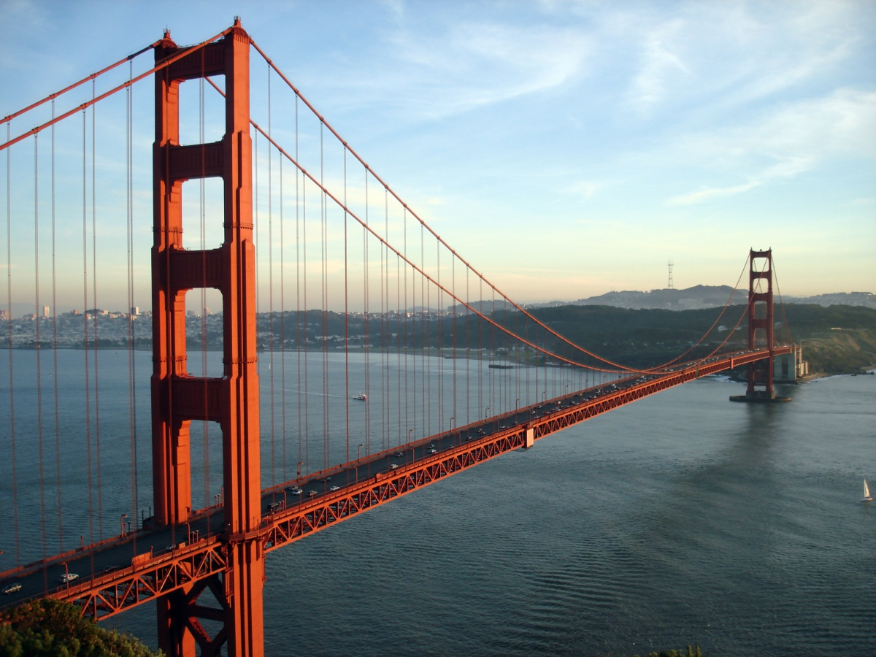 """جسر البوابة الذهبية """"غولدن غيت"""" في سان فرانسيسكو"""