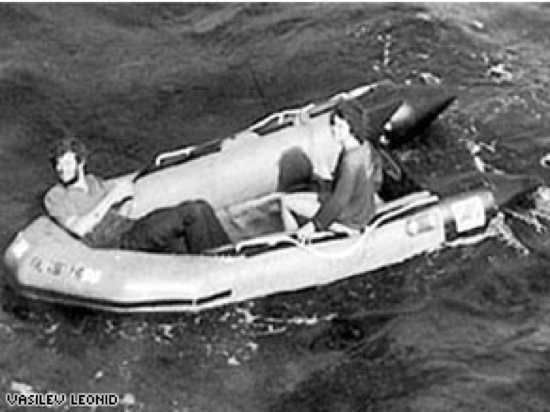 «براد كافانا» و«ديبورا كيلي» - 5 أيام في عرض البحر