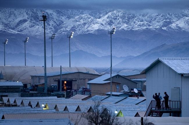 قاعدة باغرام الجوية - الولايات المتحدة الأمريكية وأفغانستان