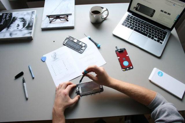 صيانة وإصلاح الهواتف الذكية