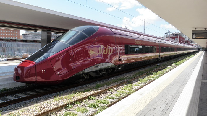 قطار AGV ITALO في إيطاليا - 574.8 كم في الساعة