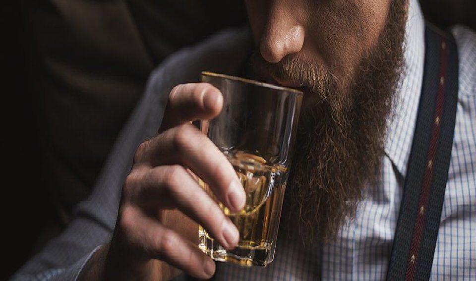 تأثير الكحول على العظام