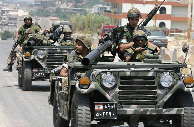 لبنان - 890 مقاتل