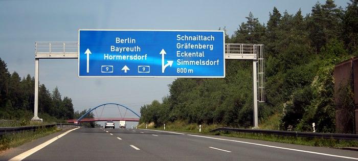 نفاد الوقود غير قانوني على الطرقات السريعة في ألمانيا... وكذلك المشي أيضاً