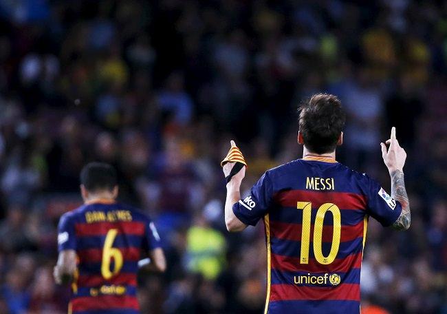 ليونيل ميسي - برشلونة، صاحب اعلى قمصان كروية مبيعاً في 2015