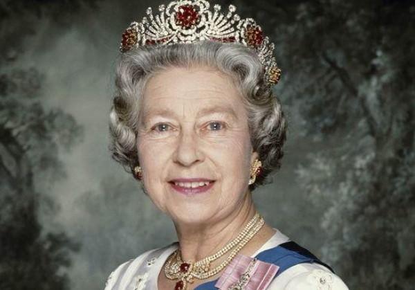 الملكة الزبيث