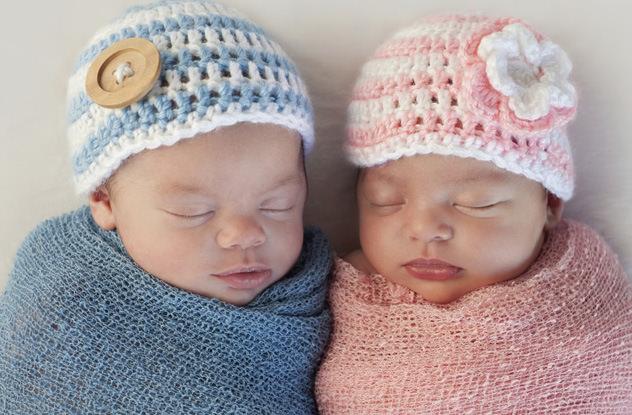 حصول الفتيان والفتيات على حليب مختلف خلال الرضاعة