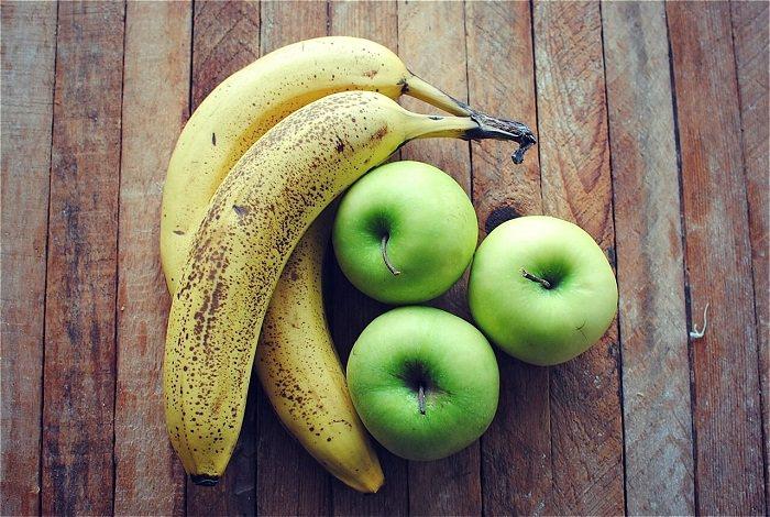 التفاح والموز