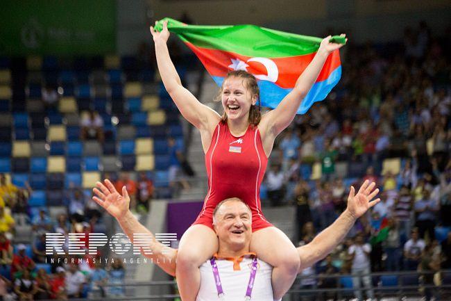اذربيجان - 255،000 دولار