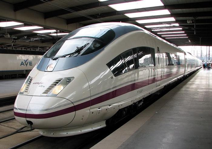 قطار AVE S 103 في إسبانيا - 403 كم في الساعة
