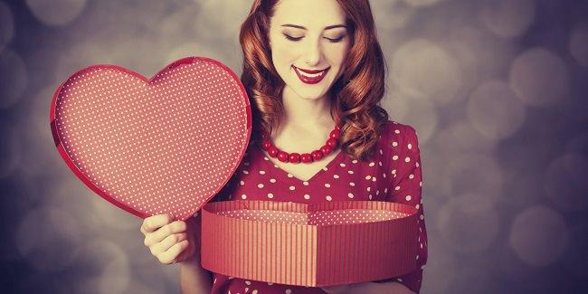 تقوم النساء بشراء معظم هدايا عيد الحب...حتى لأنفسهن !