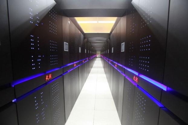 Tianhe-2 في الصين، اقوى حواسيب العالم - 33.86 مليار عملية حسابية في الثانية